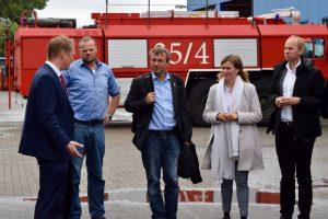 Eine starke SPD-Abordnung bei EAFT in Emden (von links): EAFT-Geschäftsführer Patrick Neuhaus, SPD-Labdtagsabgordneter Matthias Arends sowie die SPD-Bundestagsabgeordneten Johann Saathoff, Siemtje Möller und Dennis Rohde.